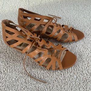 Crown Vintage Wedge Tie Sandals Size 10